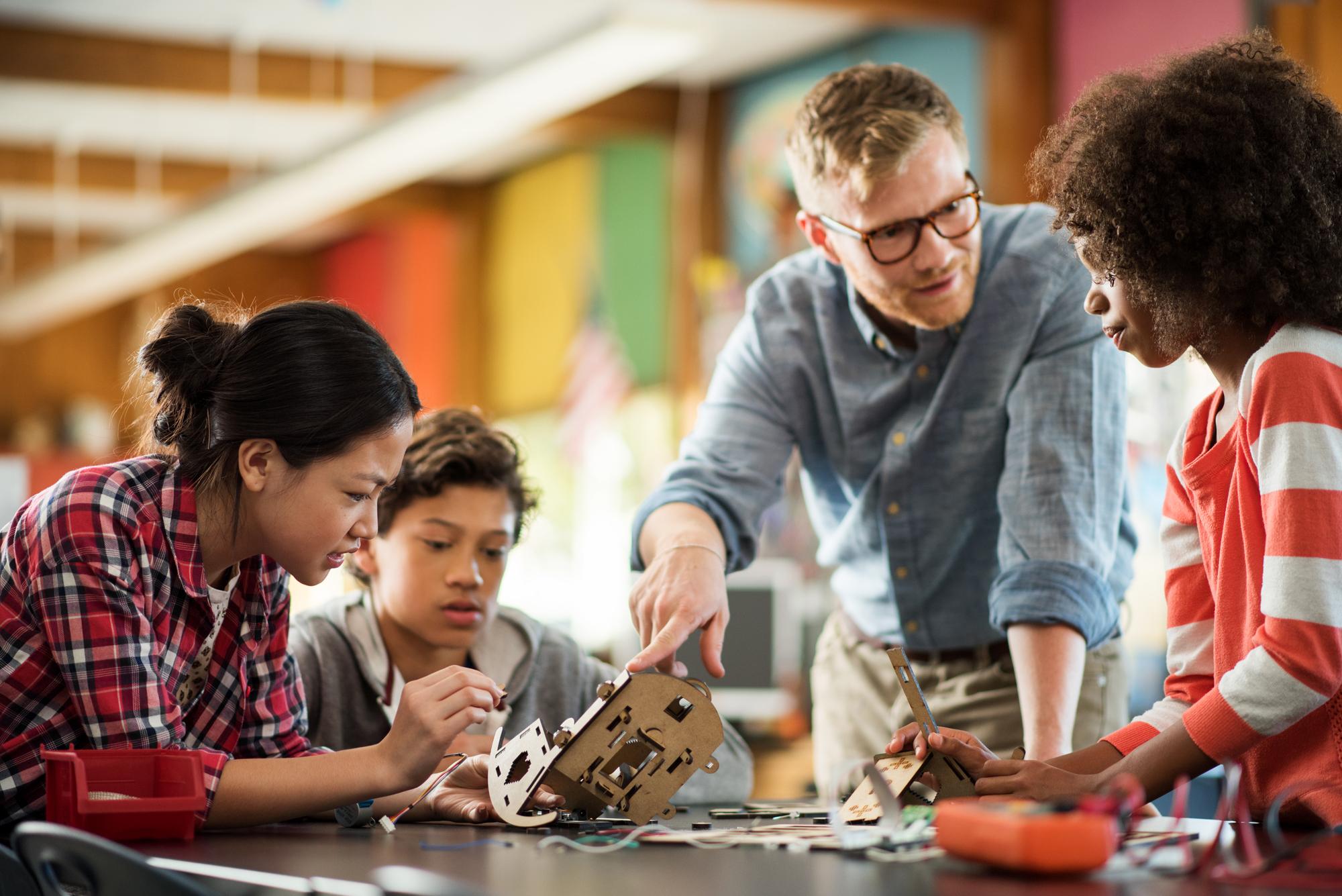 classroom tech plugs kids into maker movement