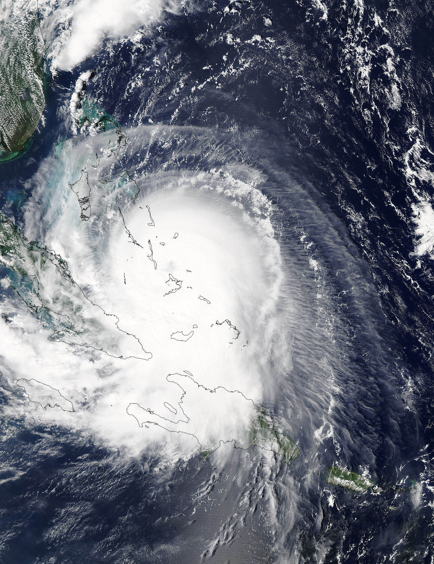 Hurricane Joaquin may be experiencing eyewall replacement ...