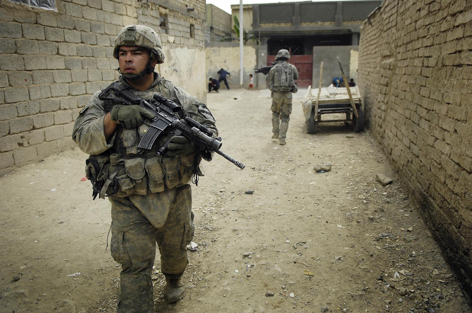 ptsd causes effects in soldiers Causes post-traumatic stress disorder (ptsd) can develop after a very stressful, frightening or distressing event, or after a prolonged traumatic experience personal assaults, such as sexual assault, mugging or robbery prolonged sexual abuse, violence or severe neglect witnessing violent deaths military combat being.