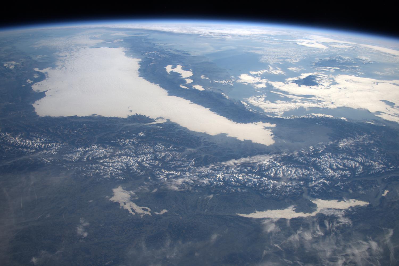 earth orbit video - HD4940×3292