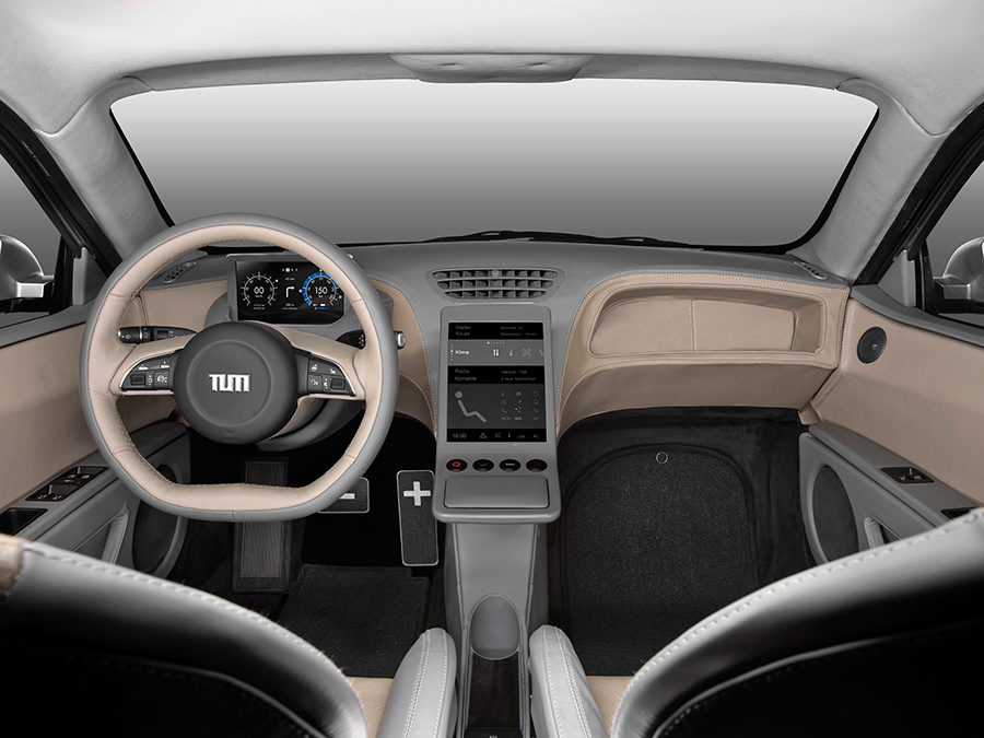a central screen provides driving information with simple swiping gestures the driver can enter commands on a touch pad right credit florian lehmann - Visio Opensource