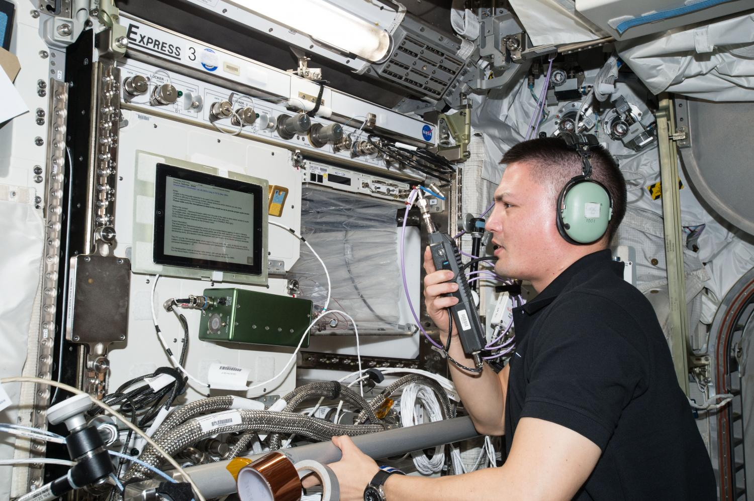 Amateur Radio Station Wb4omm: Space Station Astronauts Ham It Up To Inspire Student