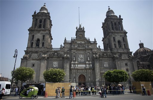 Mexican Experts Find Early Burial In First Colonial Cathedral Update
