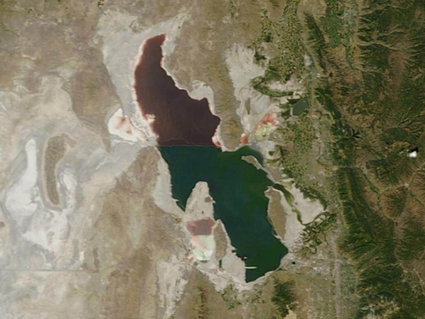 Dry lake city great salt lake is shrinking nasa satellite image of utahs great salt lake 18 aug 2014 publicscrutiny Images