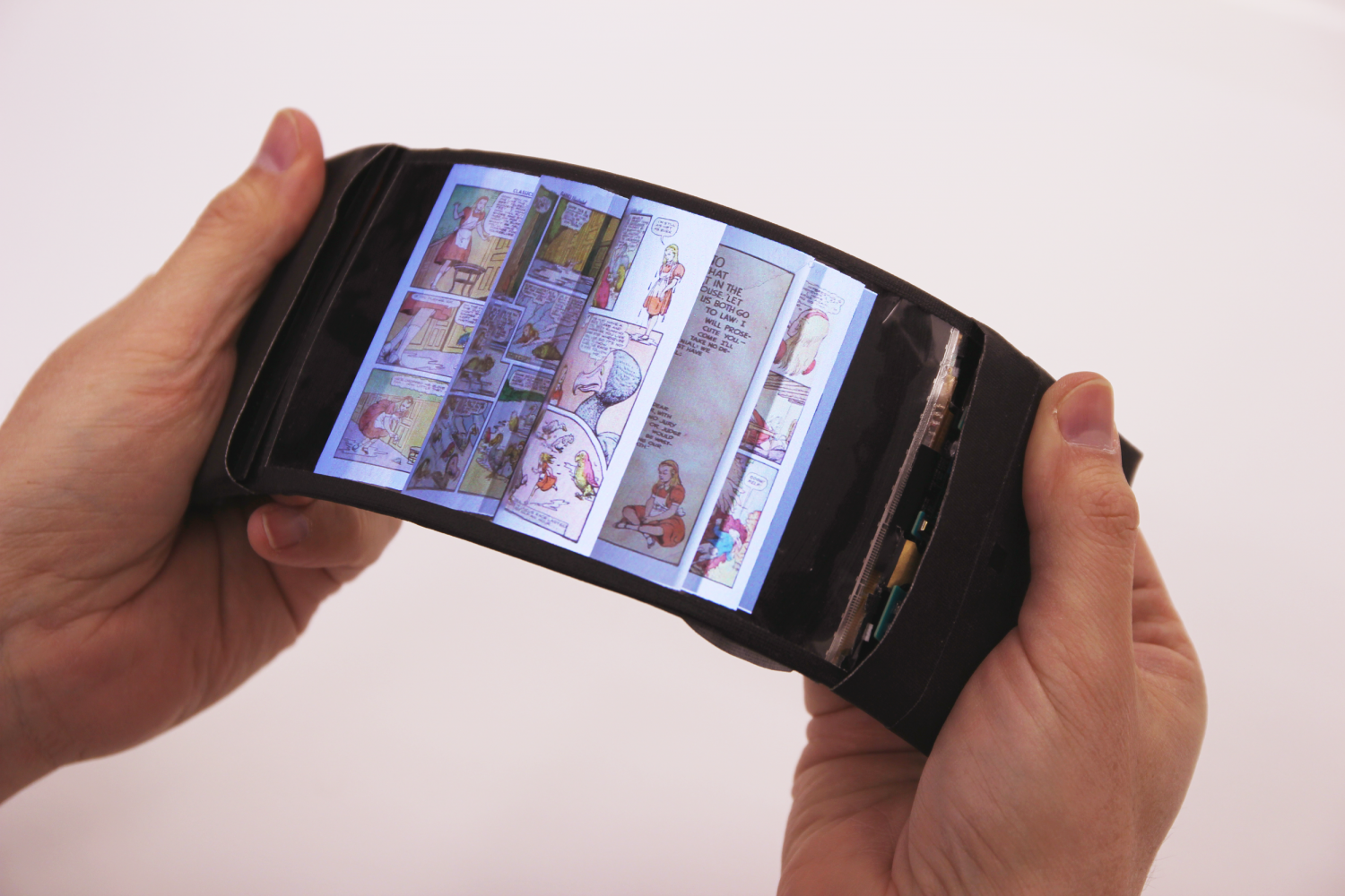 ReFlex: Revolutionary flexible smartphone allows users to ...