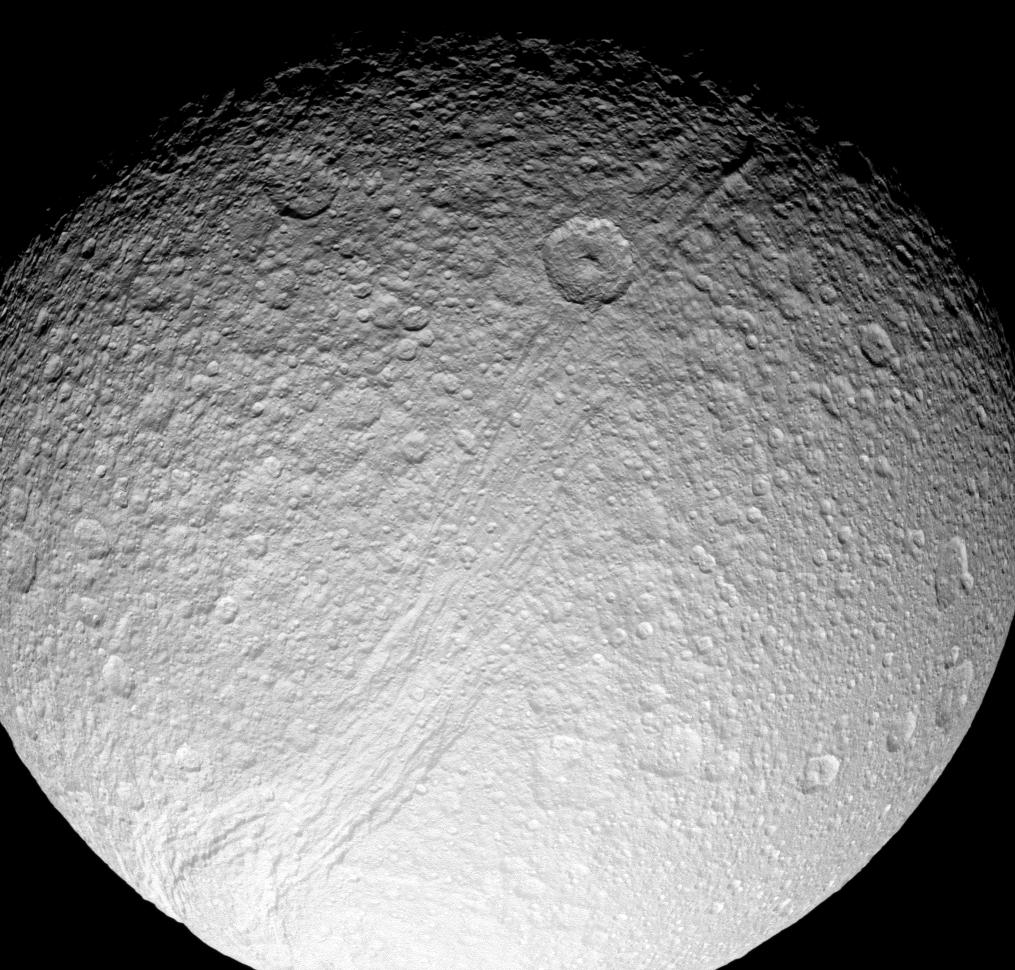 how much moons does saturn have - photo #37