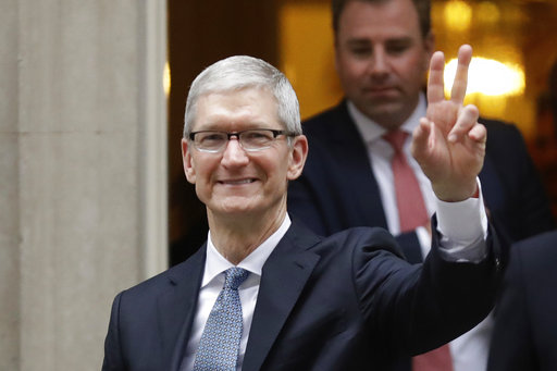 Apple CEO Tim Cook's message to grads: Tech without values is worthless