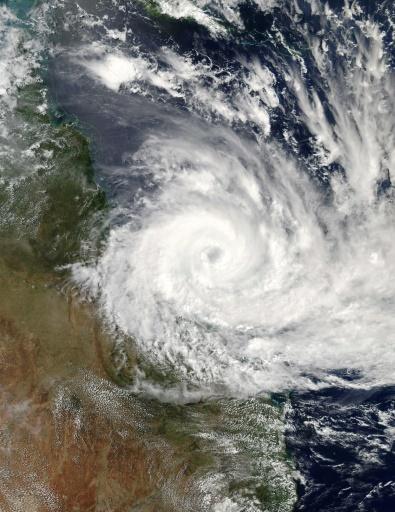 39 monster 39 cyclone debbie batters northeast australia. Black Bedroom Furniture Sets. Home Design Ideas