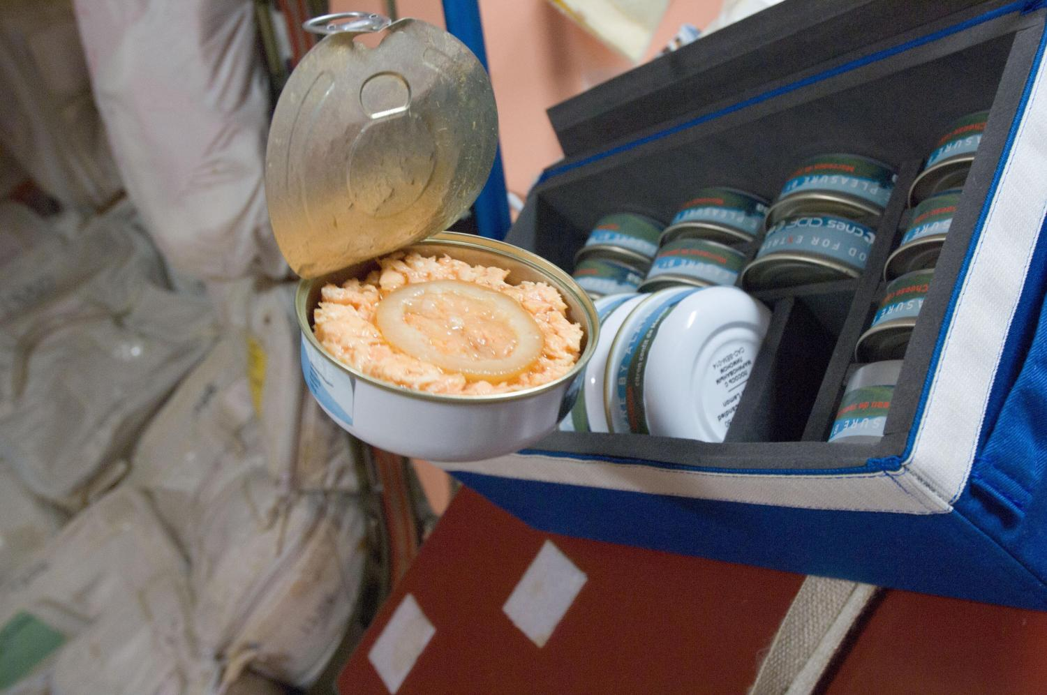 what do astronauts eat in space for breakfast lunch and dinner - photo #21