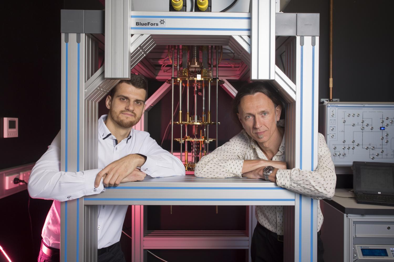 Flip-flop qubits: Radical new quantum computing design invented