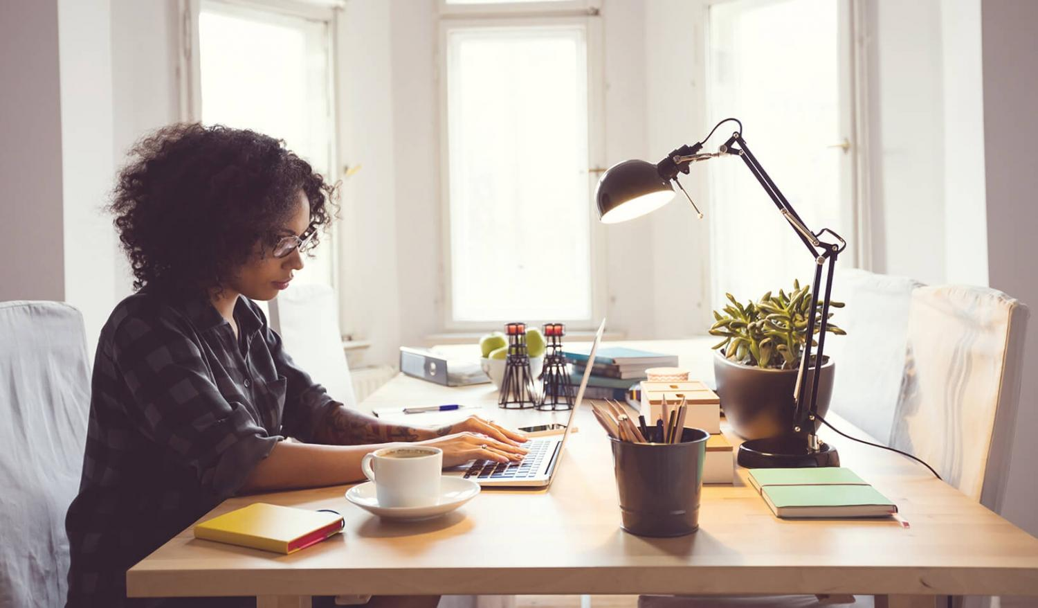 How companies and employees benefit from workplace flexibility for Work from home pictures