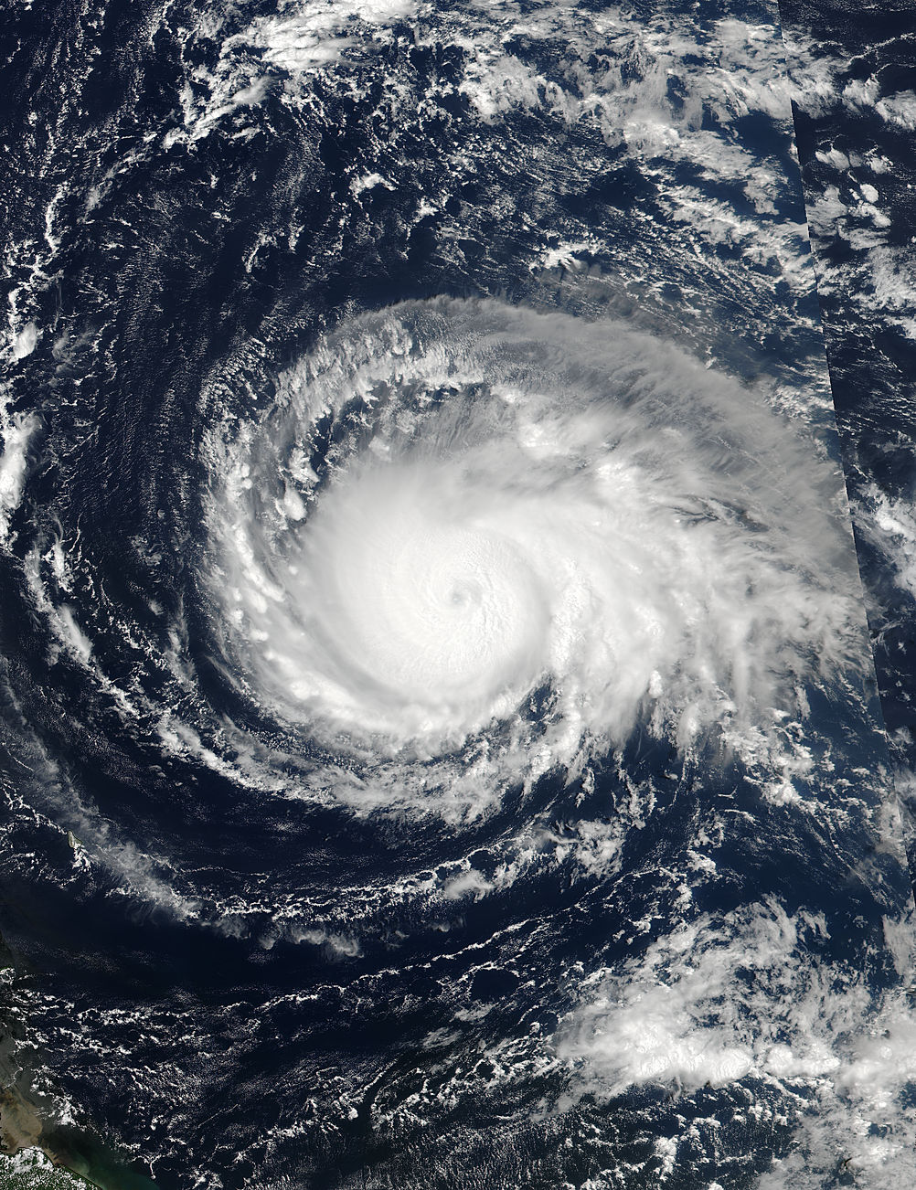 4 at 17 24 utc nasa noaa s suomi npp satellite captured this view of hurricane irma as a category 4 hurricane approaching the leeward islands