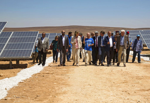Syrian refugees in Jordan's desert get solar power