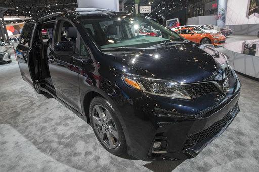 Auto Show SUVs Of All Sizes Sonata Aims For A Comeback - Car show javits center