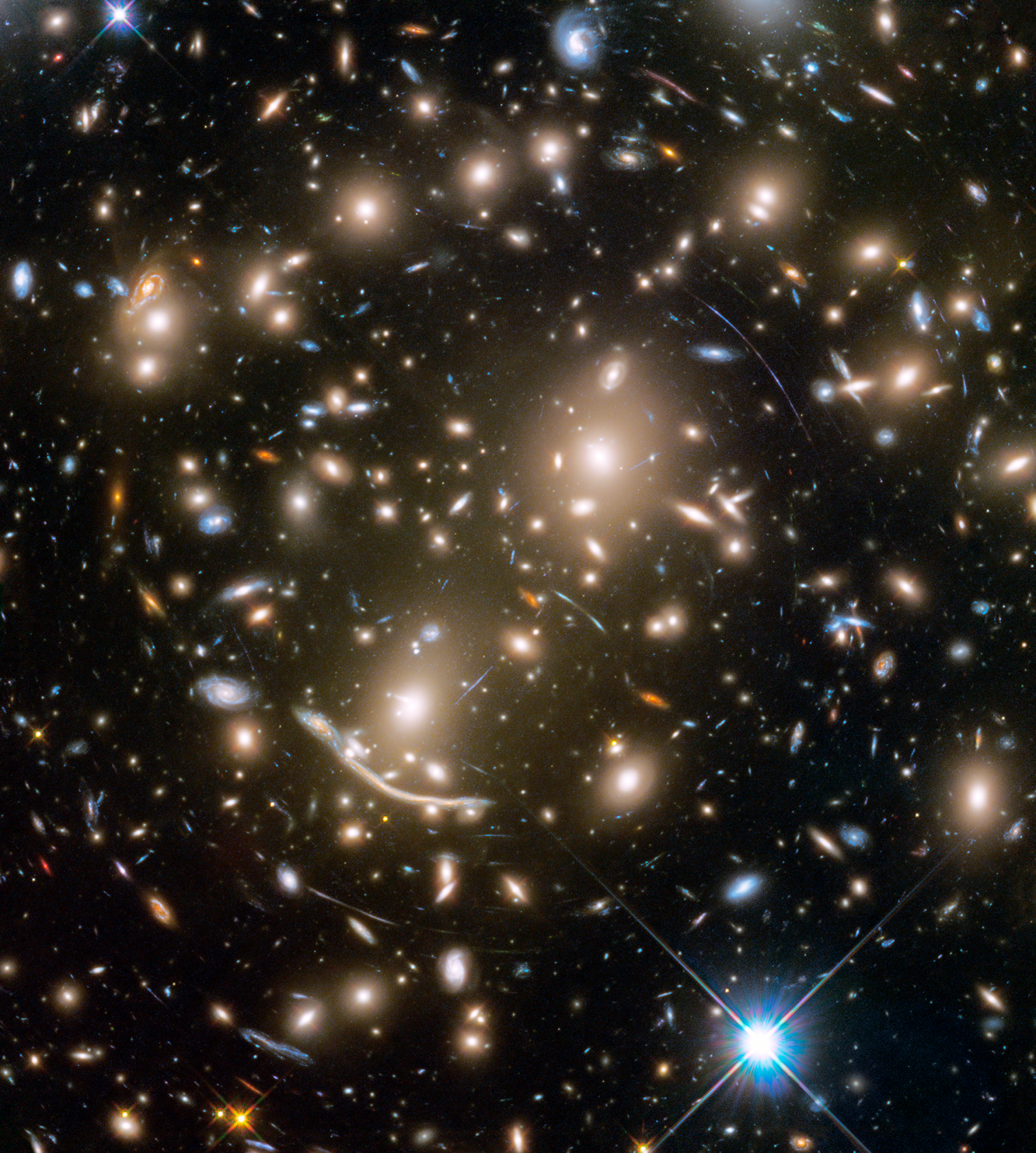 Hubble captures galaxy cluster 6 bn light years away