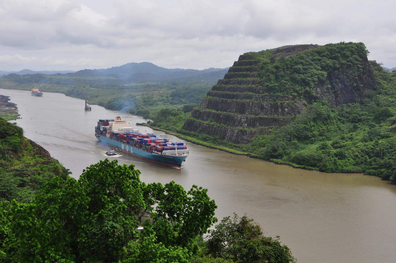 Panama Canal volcanic rocks. Credit: David Farris