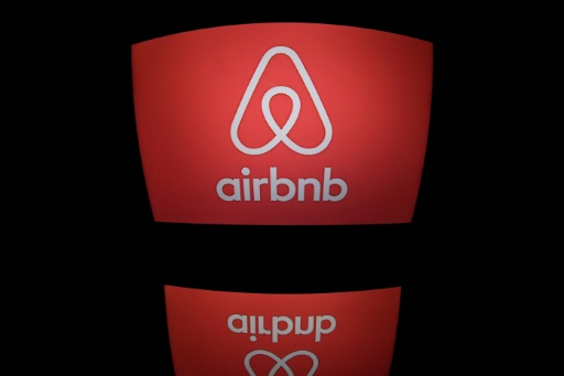 Airbnb Raises $1 Billion in Funding