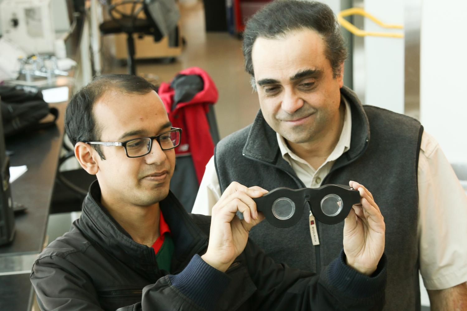 Engineers develop 'smart glasses' that automatically focus on what wearer sees