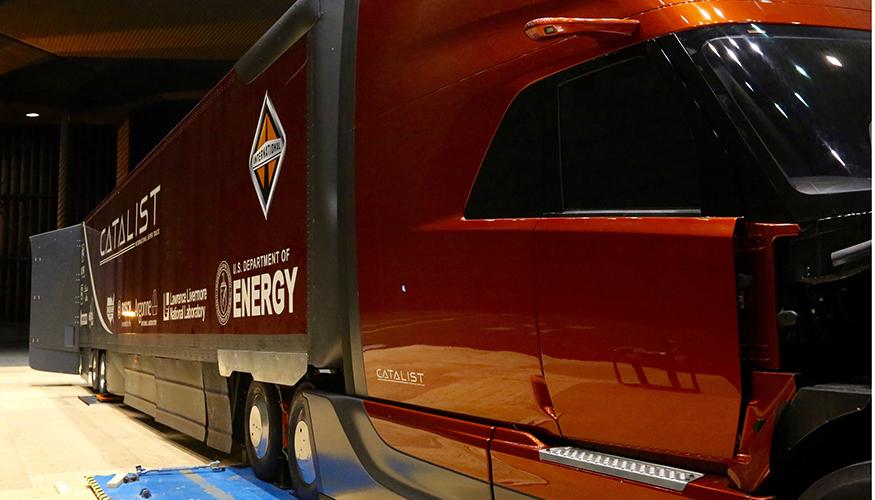 Aerodynamic Tractor Trailer : Lab developed aerodynamic devices improve tractor trailer