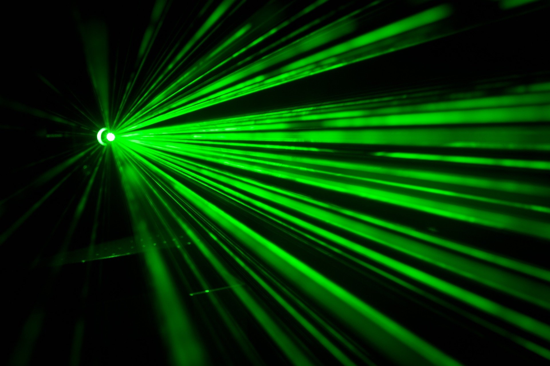 new laser makes silicon sing