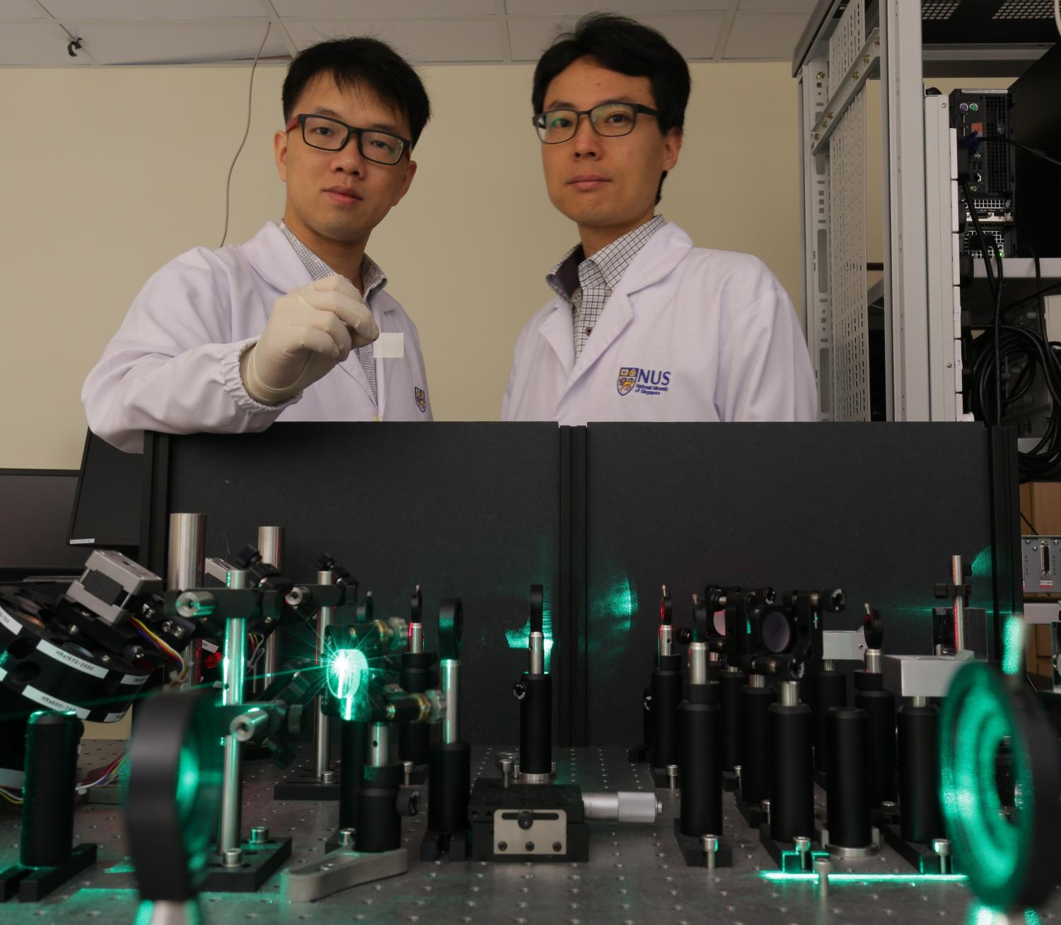 Low Cost Flexible Terahertz Radiation Source For Fast And Non Transistors The Teams Thz Sources Which Can Be Powered By A Power Laser Present Promising Applications In Spectroscopy Safety Surveillance