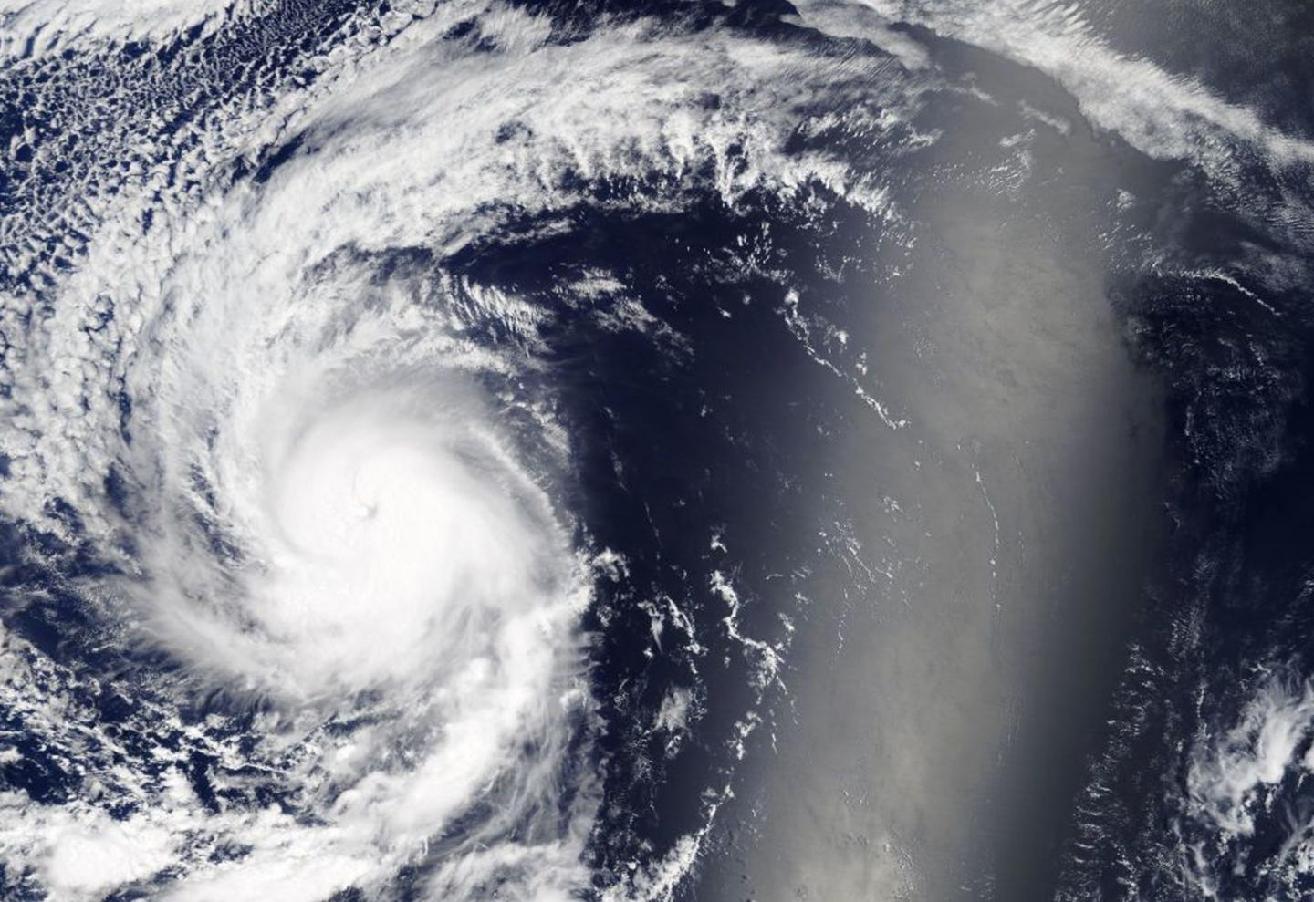 NASA sees major Hurricane Kenneth in Eastern Pacific