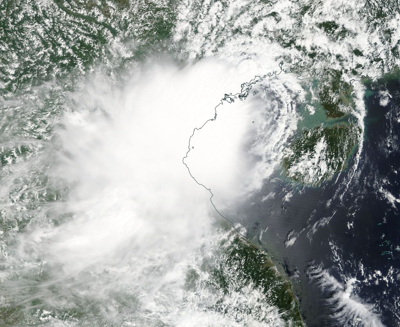 NASA sees short-lived Tropical Depression 22W make landfall
