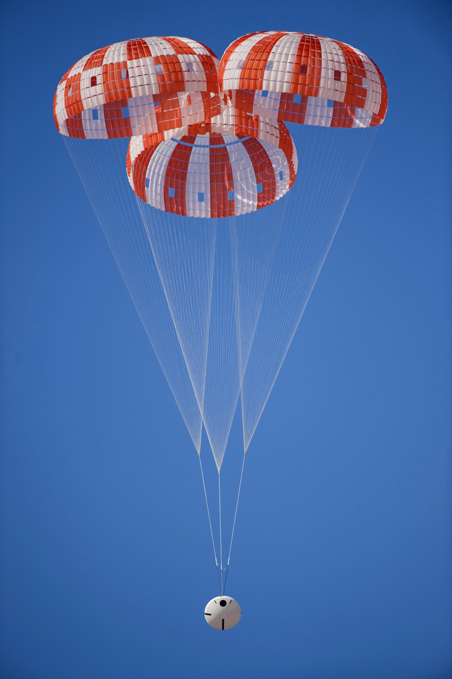 Nasa S Orion Spacecraft Parachutes Tested At U S Army