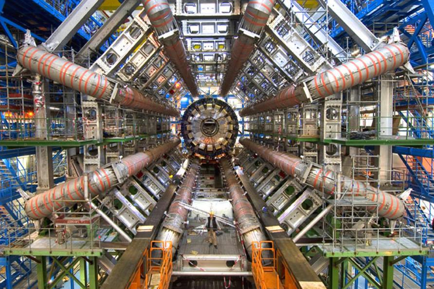 Spinning diamonds for quantum precision