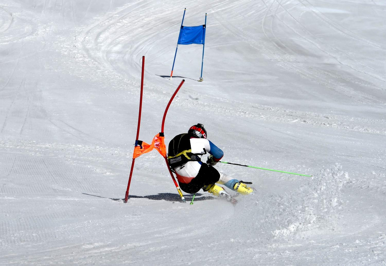 physics of downhill skiing