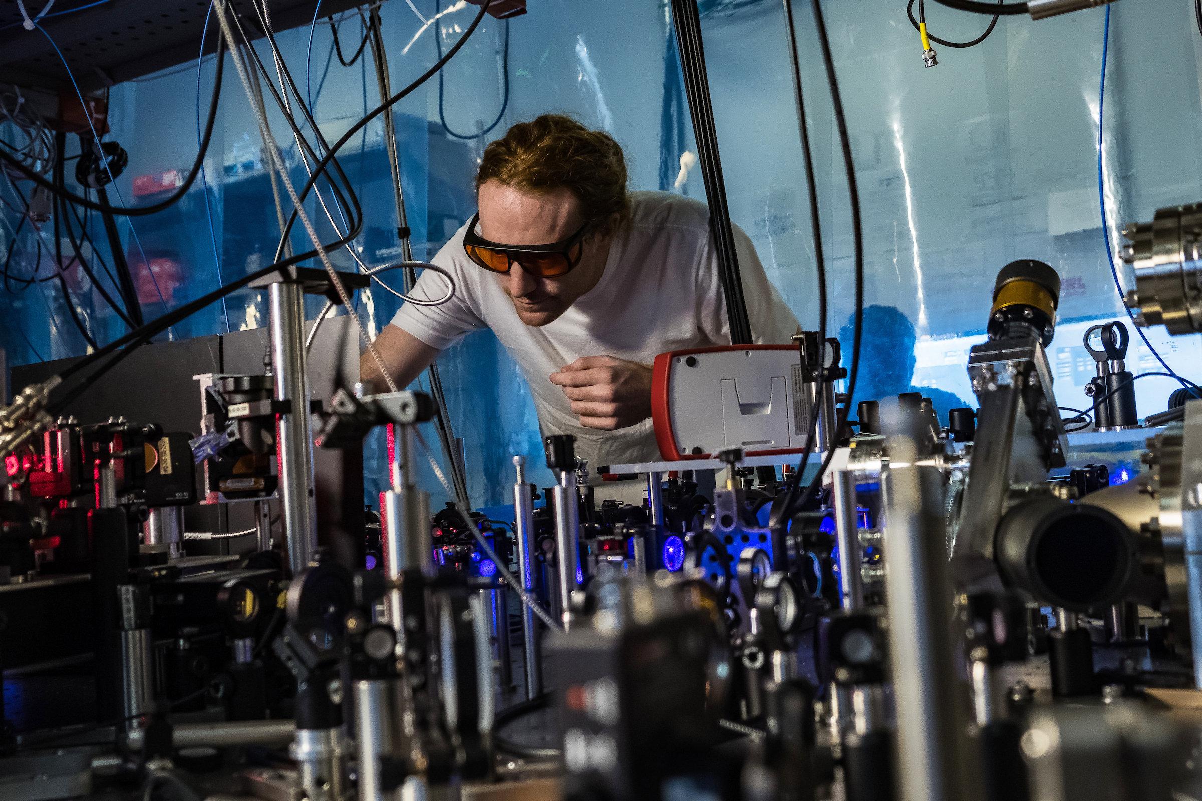 Physicists build bizarre molecules called 'Rydberg polarons'