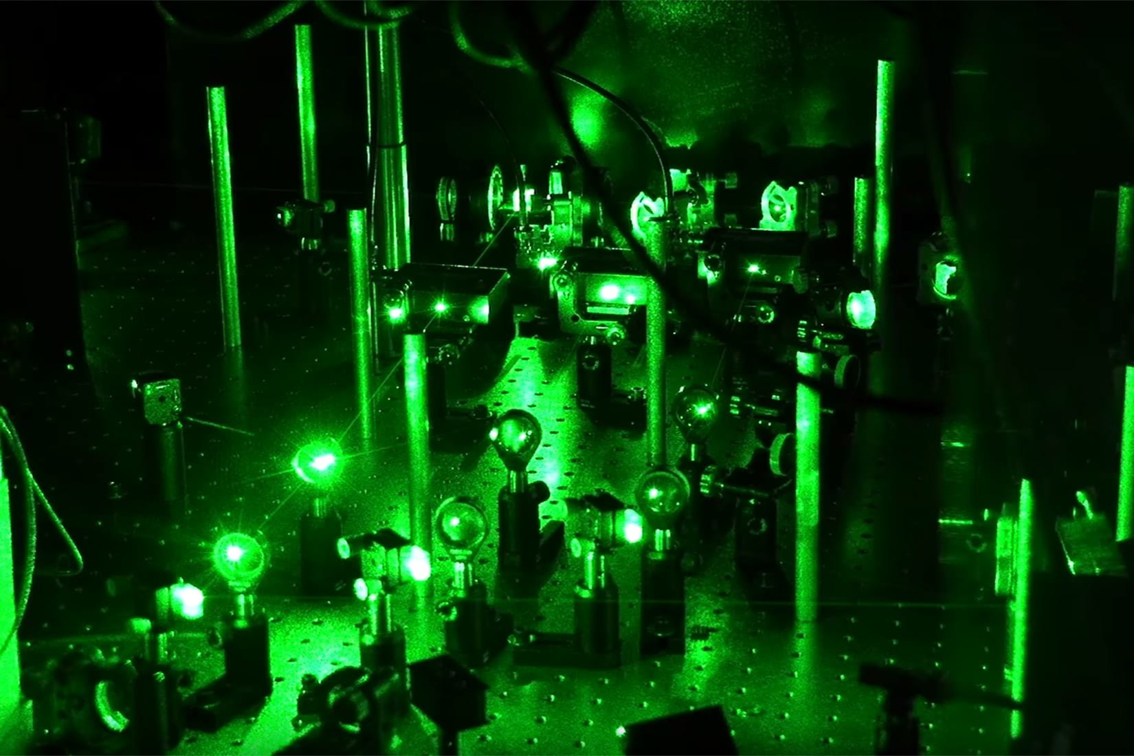 Ultracold atoms used to verify 1963 prediction about 1-D electrons