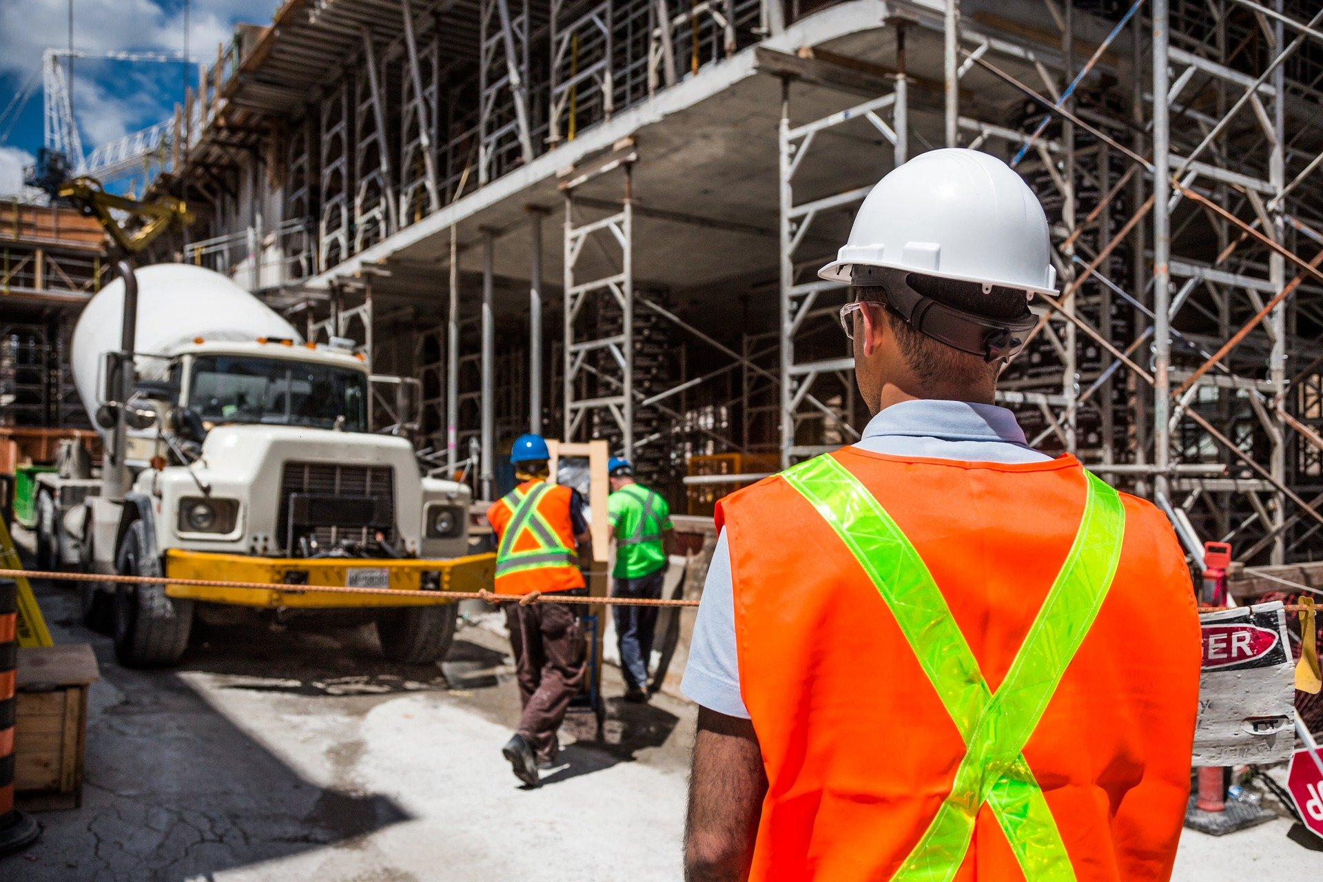 construction and transport workers face high risk of traumatic