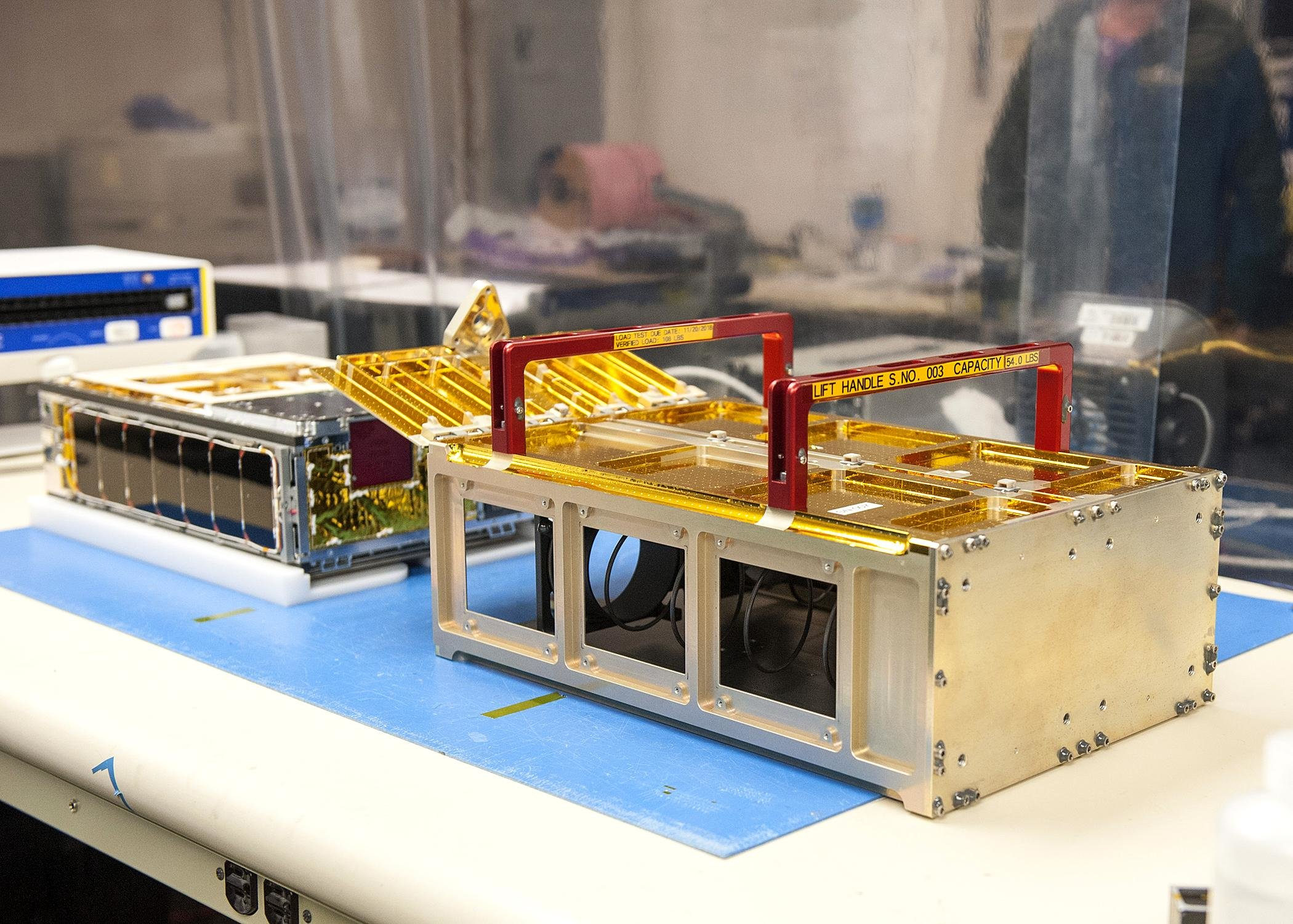 news nasa engineers dream big with small spacecraft - HD 2100×1500