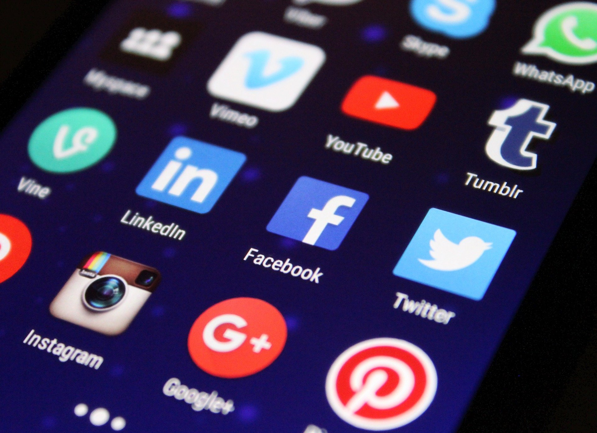 Research sparks calls for tougher enforcement on social networks companies thumbnail