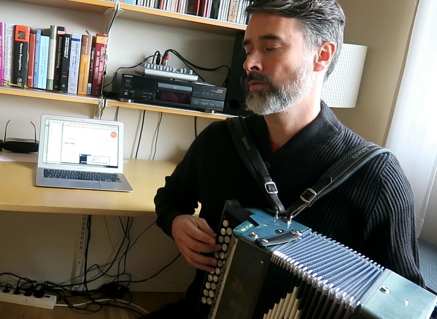 Artificial intelligence create more than 100,000 new tunes based on Irish and English folk tunes