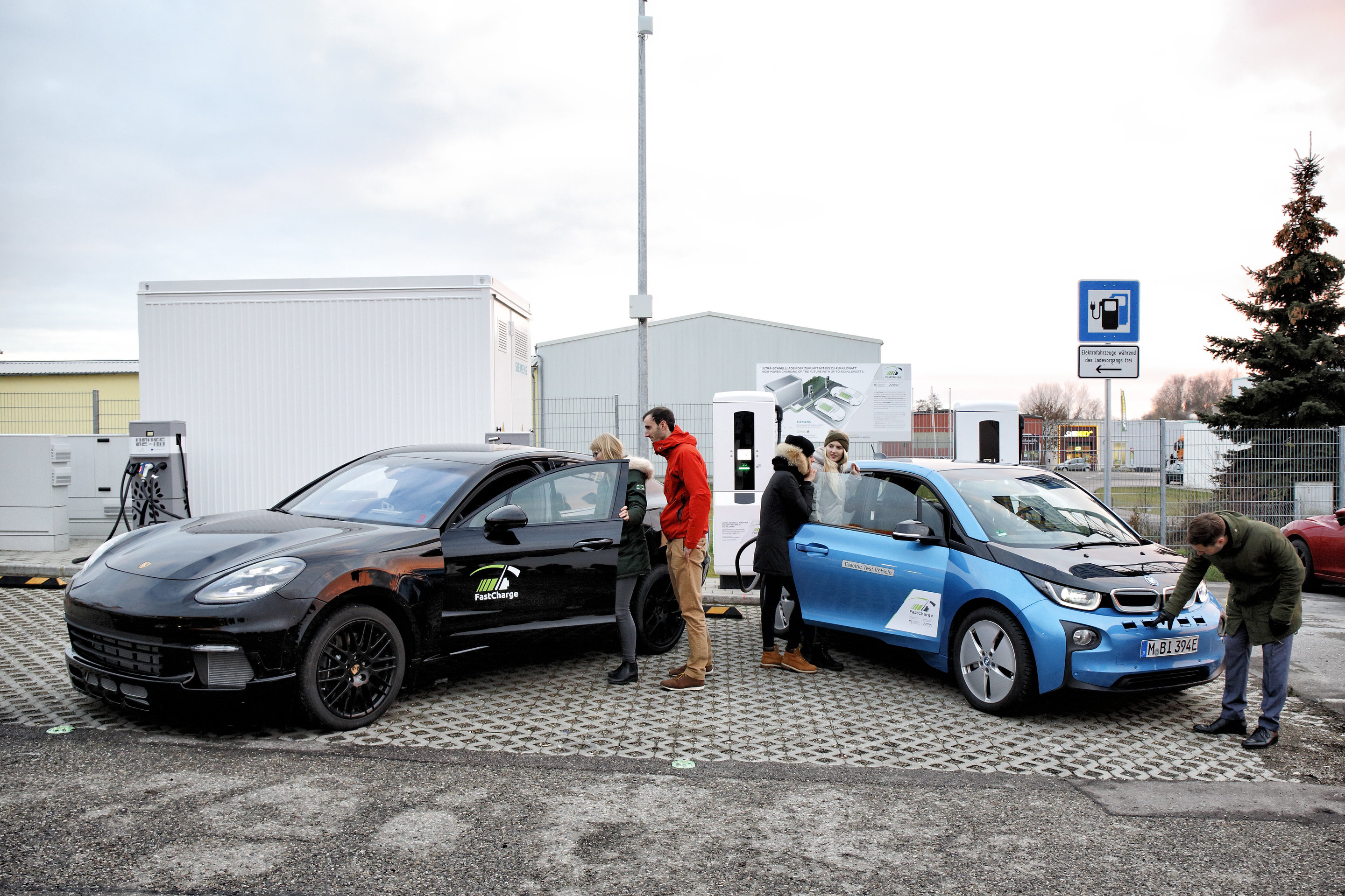 FastCharge prototype station shows three-minute time feat