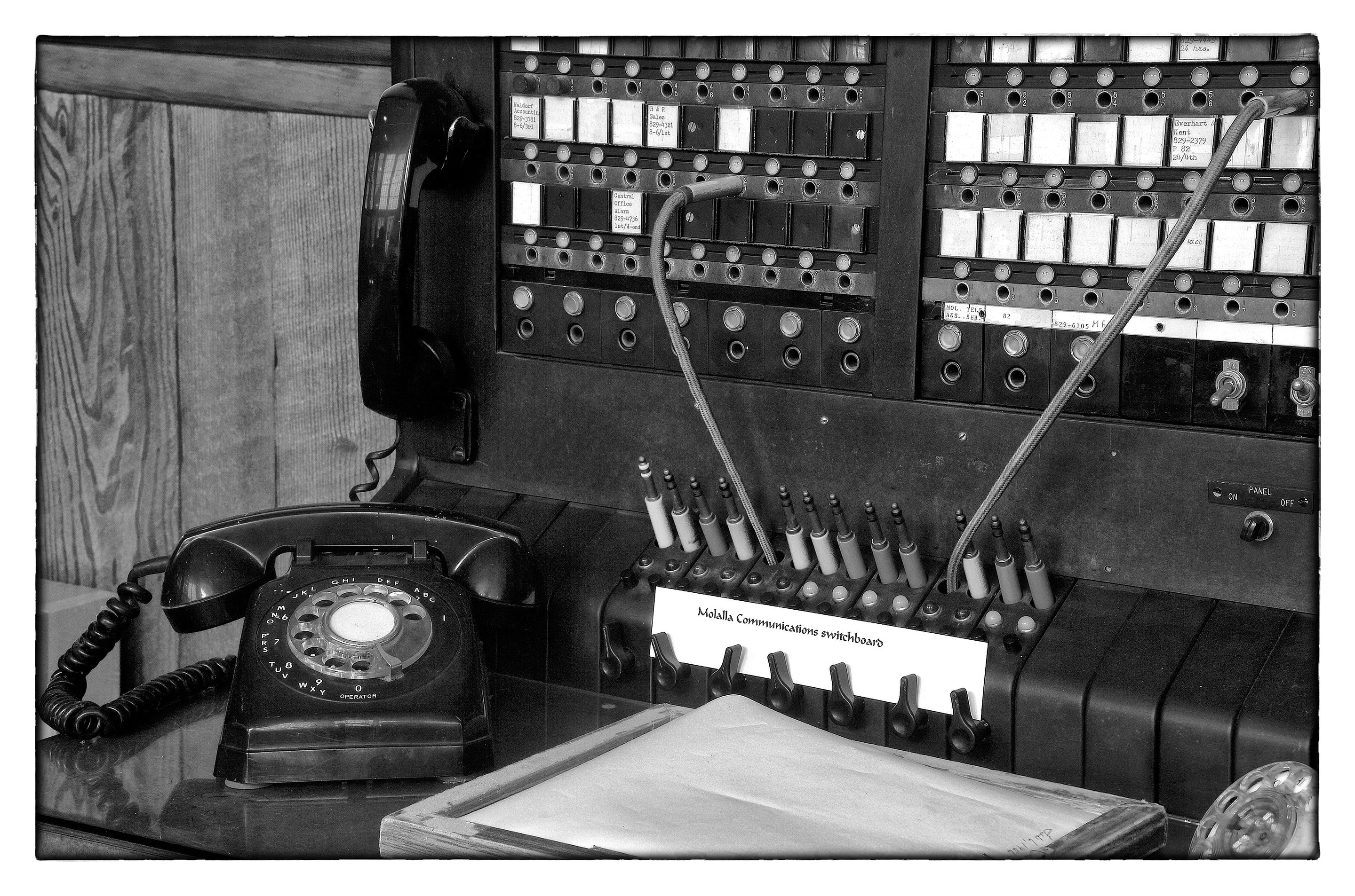 a house phone home phones way to stay connected at home howlandlinep.jpg