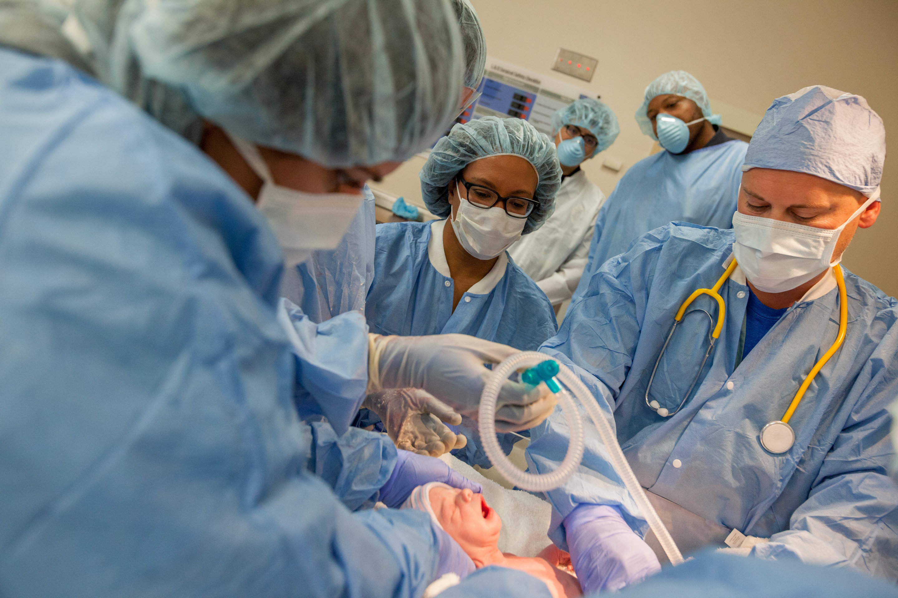 Inducing labor at 39 weeks reduces risks of C-section and ...