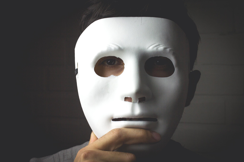 fake people online