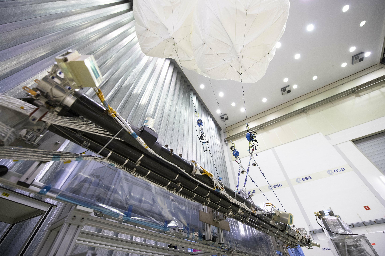 Image: Magnetometer boom built for ESA's mission to Jupiter