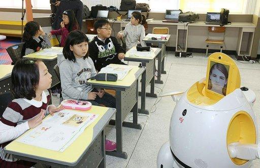 S.Korea schools get robot English teachers