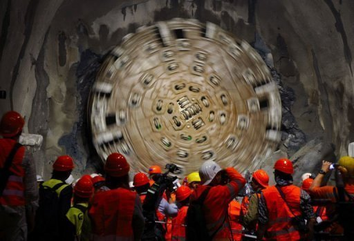 World's longest tunnel breaks down Swiss Alpine barrier ...